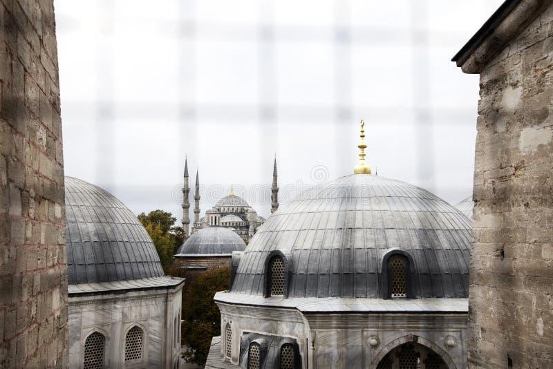 Orizzonte della moschea (vista della finestra) immagine stock libera da diritti