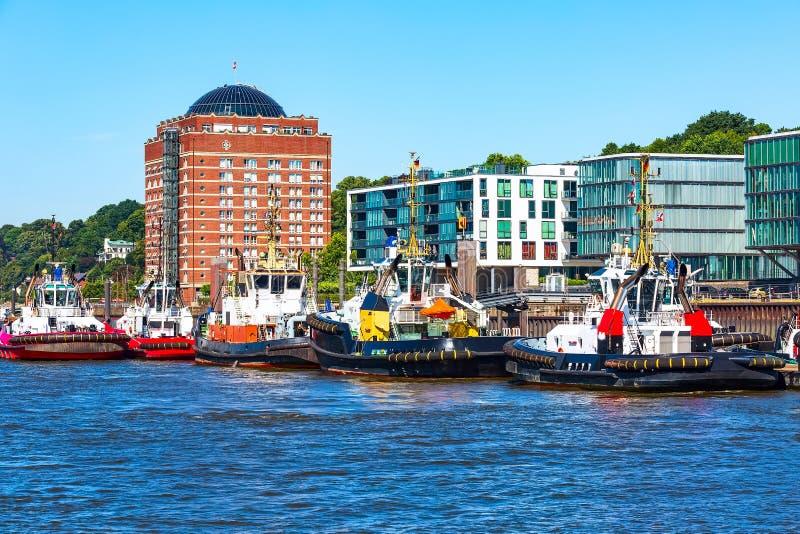 Orizzonte di Amburgo, della Germania e fiume Elba immagini stock libere da diritti