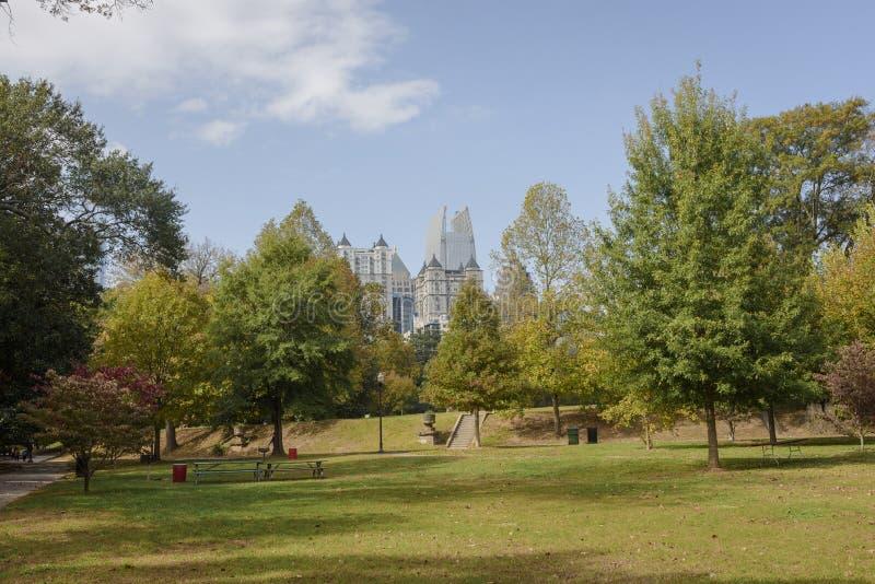 Orizzonte di Atlanta dal parco di Piemonte fotografia stock libera da diritti