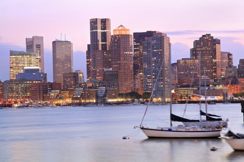 Orizzonte di Boston al crepuscolo, U.S.A. fotografie stock libere da diritti