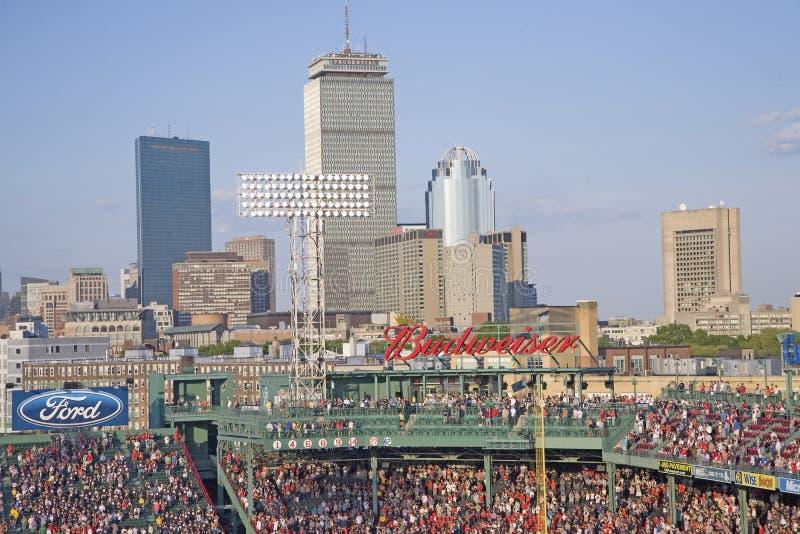 Orizzonte di Boston e sosta di Fenway immagini stock