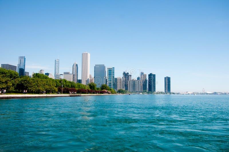 Orizzonte di Chicago dall'acquario di Shedd fotografie stock