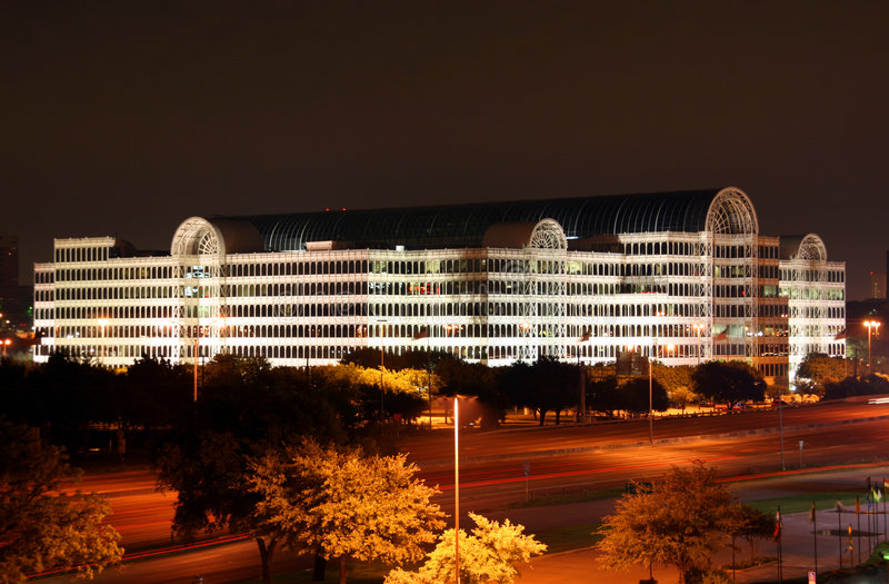 Orizzonte di Dallas il Texas alla notte immagini stock