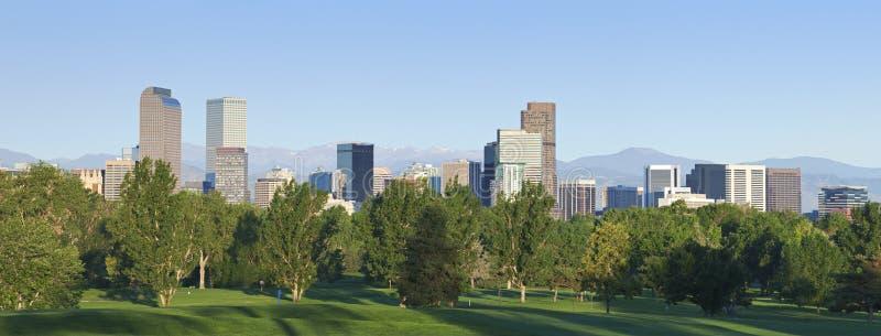 Orizzonte di Denver all'indicatore luminoso di mattina fotografia stock