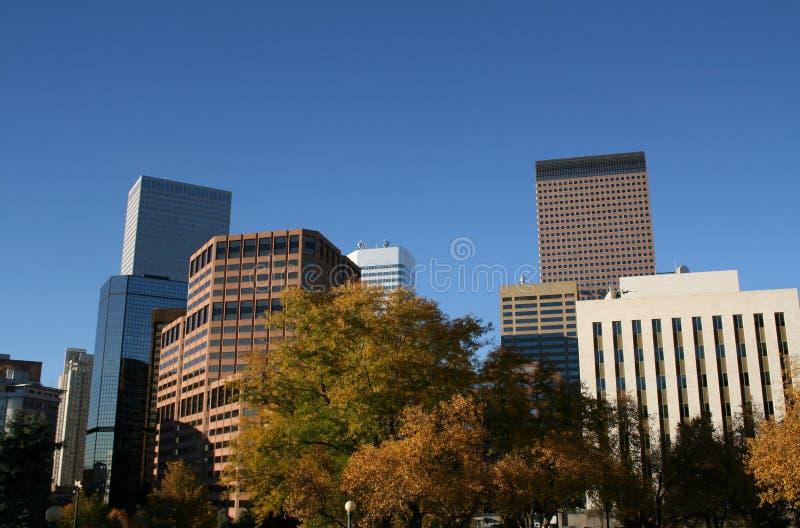 Orizzonte di Denver in autunno immagine stock