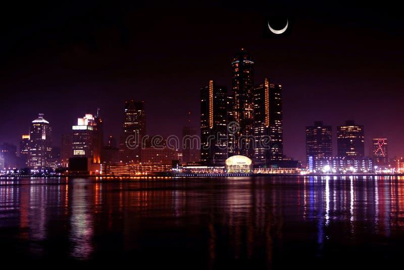 Orizzonte di Detroit alla notte fotografie stock libere da diritti