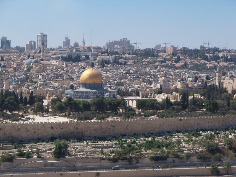 Orizzonte di Gerusalemme, cupola sulla roccia visibile fotografia stock