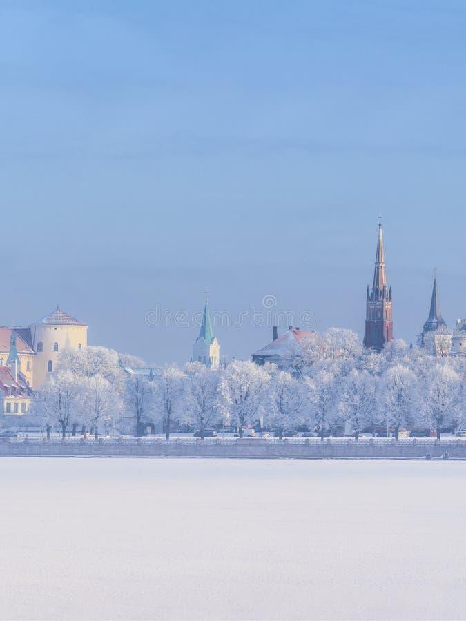 Orizzonte di inverno città lettone di Riga della capitale di vecchia fotografie stock libere da diritti