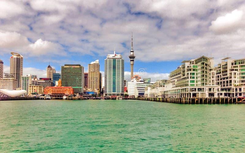 Orizzonte di lungomare di Auckland immagine stock