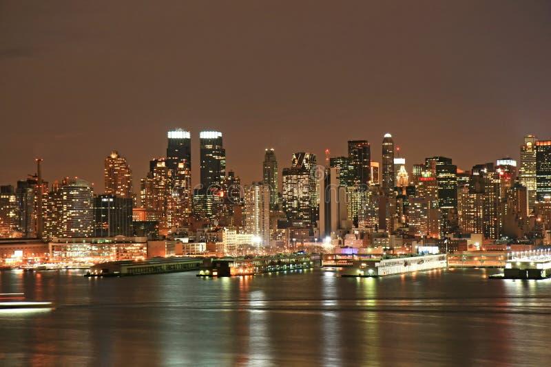 Orizzonte di Manhattan alla notte di Natale immagine stock