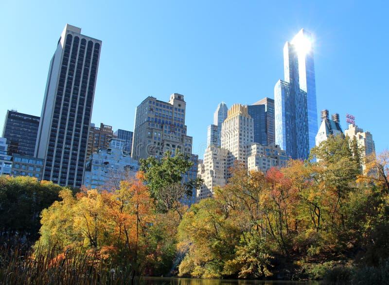 Orizzonte di New York dal Central Park in Manhattan fotografia stock