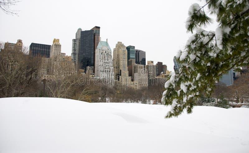 Orizzonte di New York in neve immagine stock