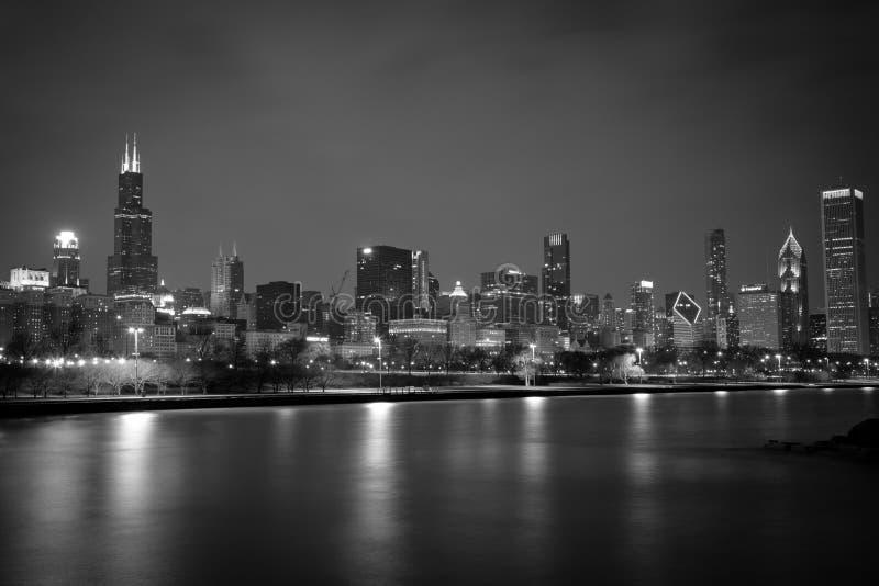 Orizzonte di notte del Chicago Noir fotografia stock