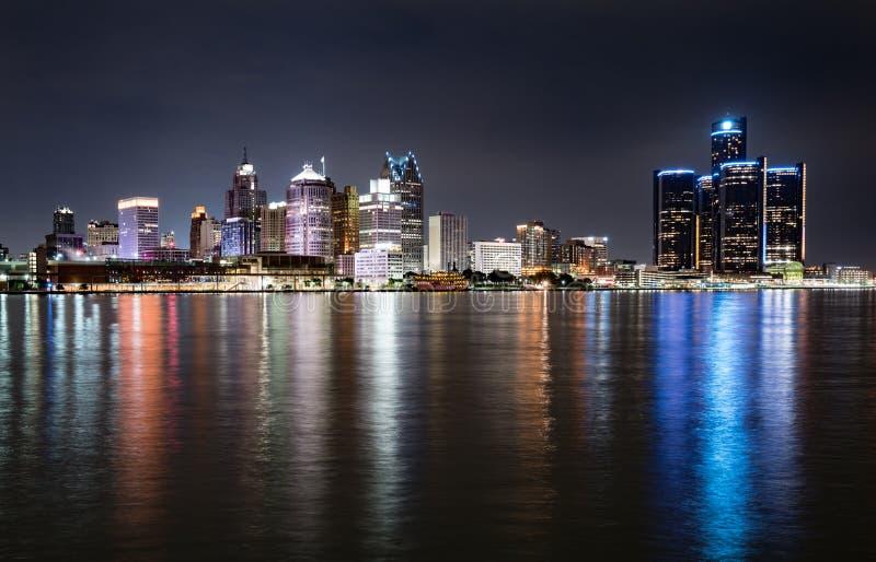 Orizzonte di notte di Detroit fotografia stock libera da diritti