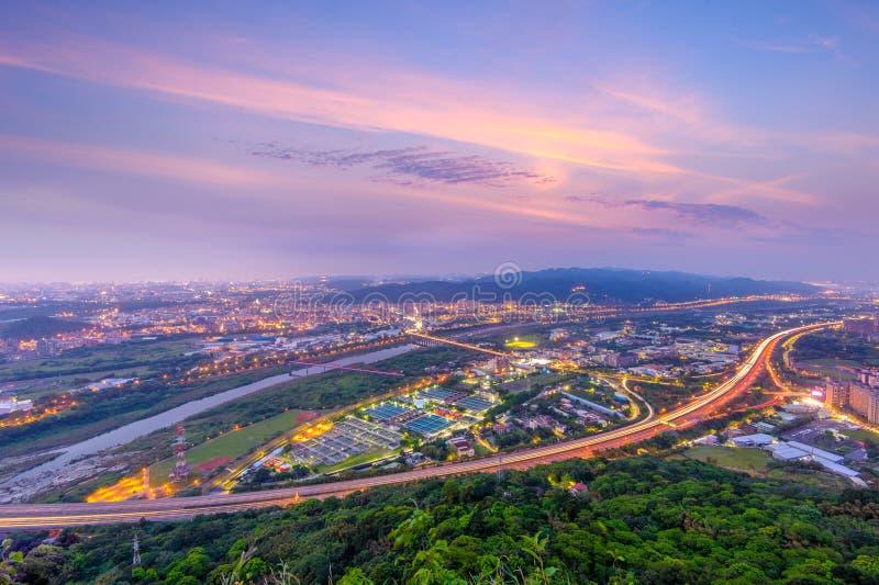 Orizzonte di nuova città di Taipeh fotografia stock libera da diritti