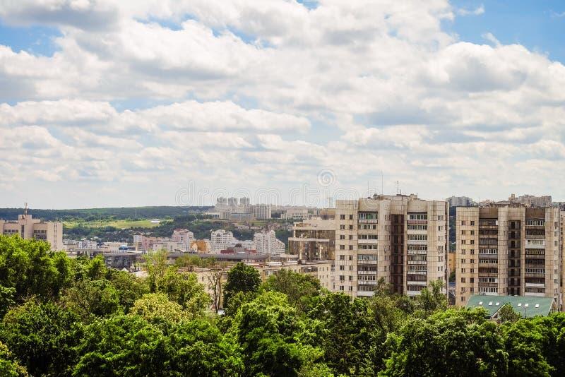 Orizzonte di paesaggio urbano di Belgorod, Russia Vista aerea nella luce del giorno fotografia stock