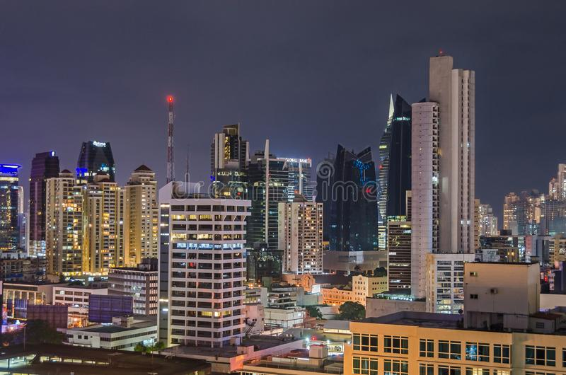 Orizzonte di Panama City alla notte fotografia stock libera da diritti