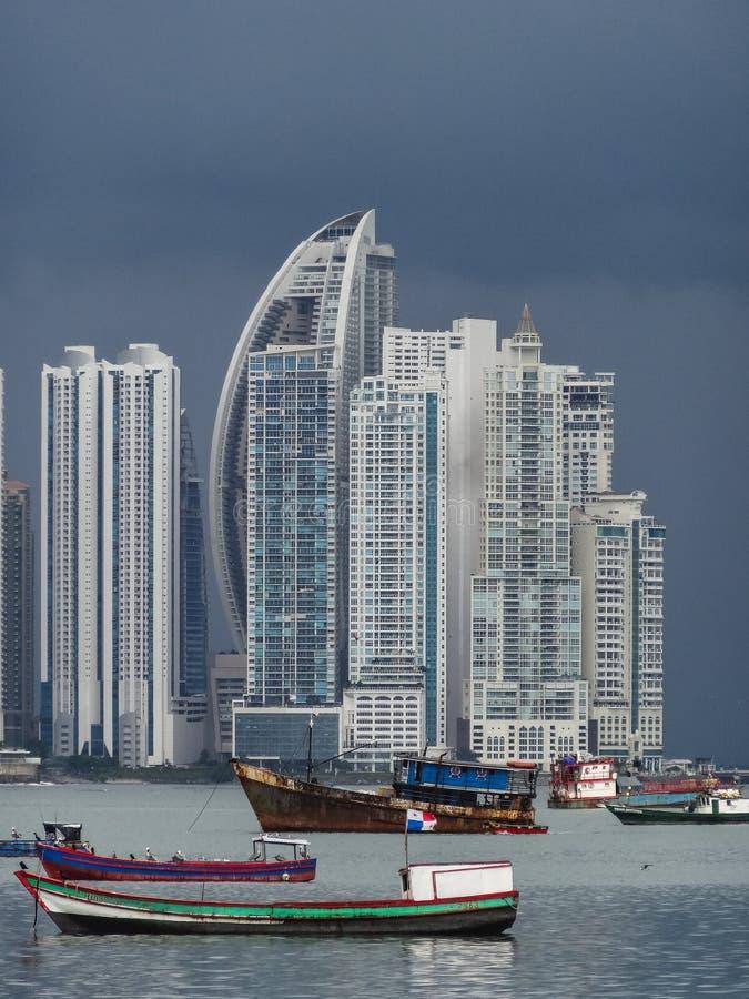 Orizzonte di Panama City visto dal viejo di casco immagini stock