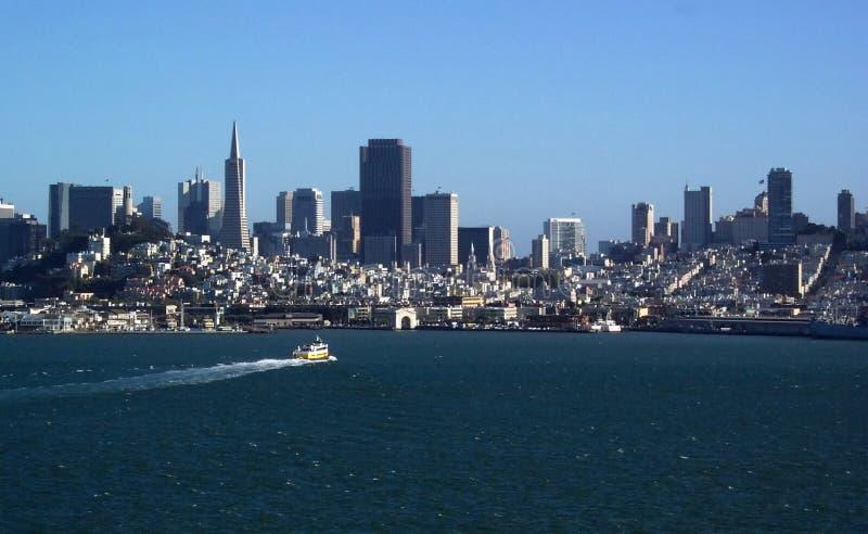 Orizzonte di San Francisco Bay fotografie stock