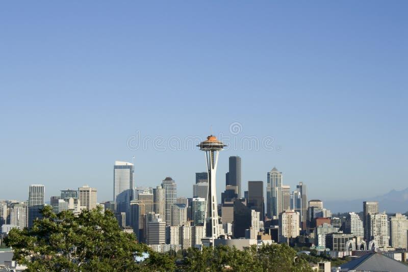 Orizzonte di Seattle con l'ago dello spazio fotografie stock