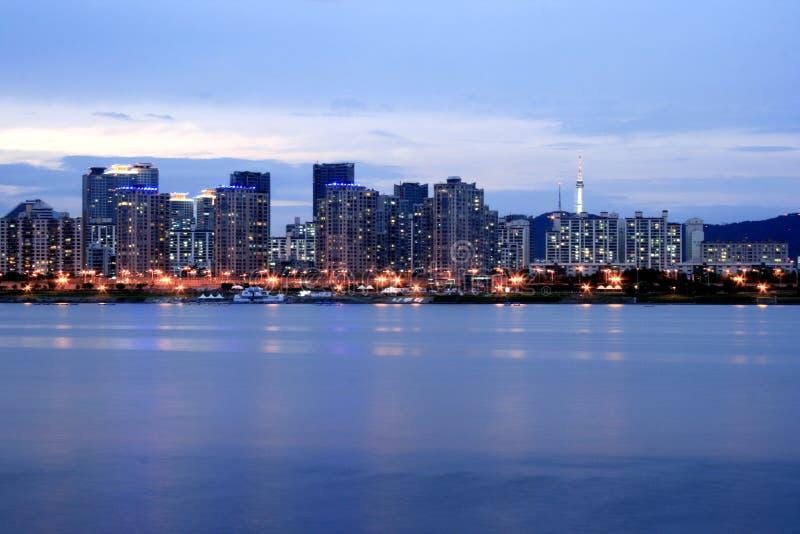 Orizzonte di Seoul al crepuscolo immagini stock libere da diritti
