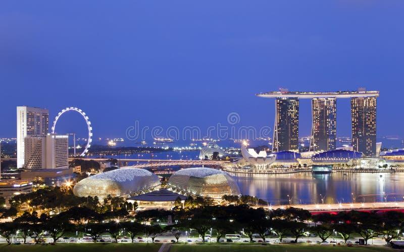 Orizzonte di sera di Singapore fotografie stock libere da diritti
