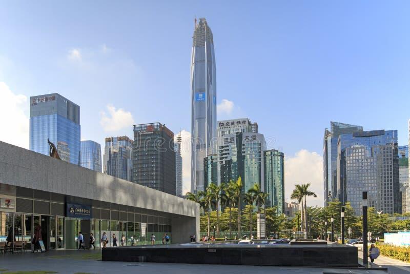 Orizzonte di Shenzhen come visto dalla costruzione di borsa valori immagini stock libere da diritti