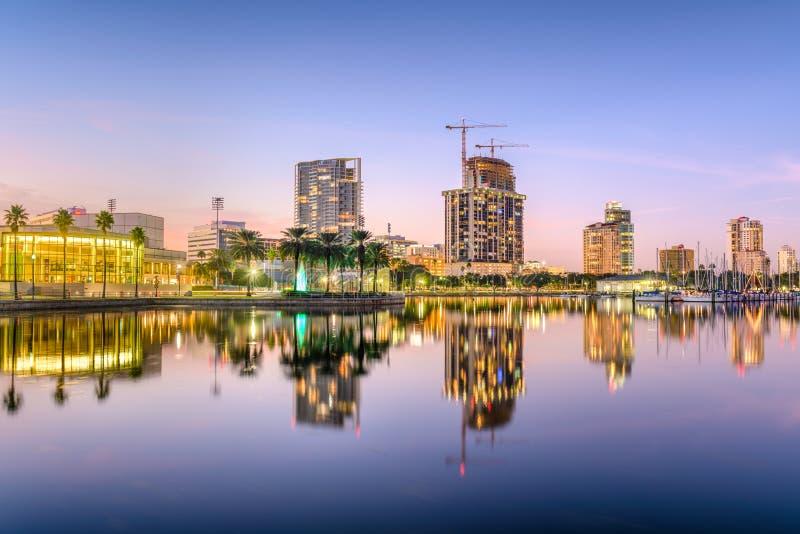 Orizzonte di St Petersburg, Florida fotografie stock