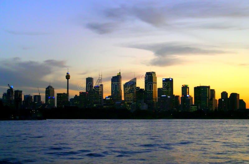 Orizzonte di Sydney alla notte fotografie stock libere da diritti