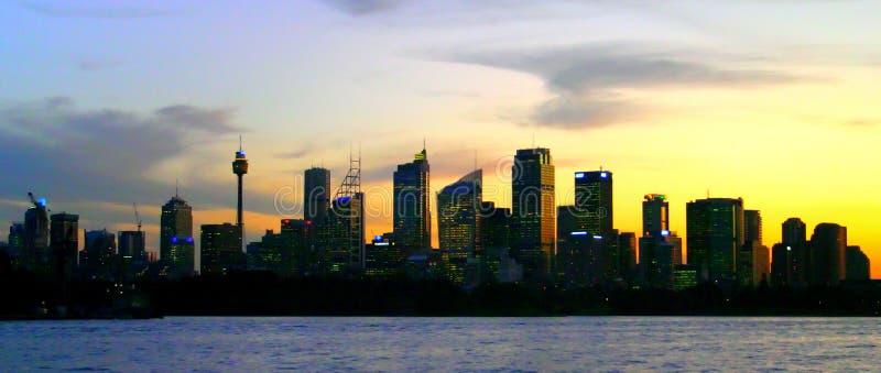 Orizzonte di Sydney alla notte fotografia stock libera da diritti
