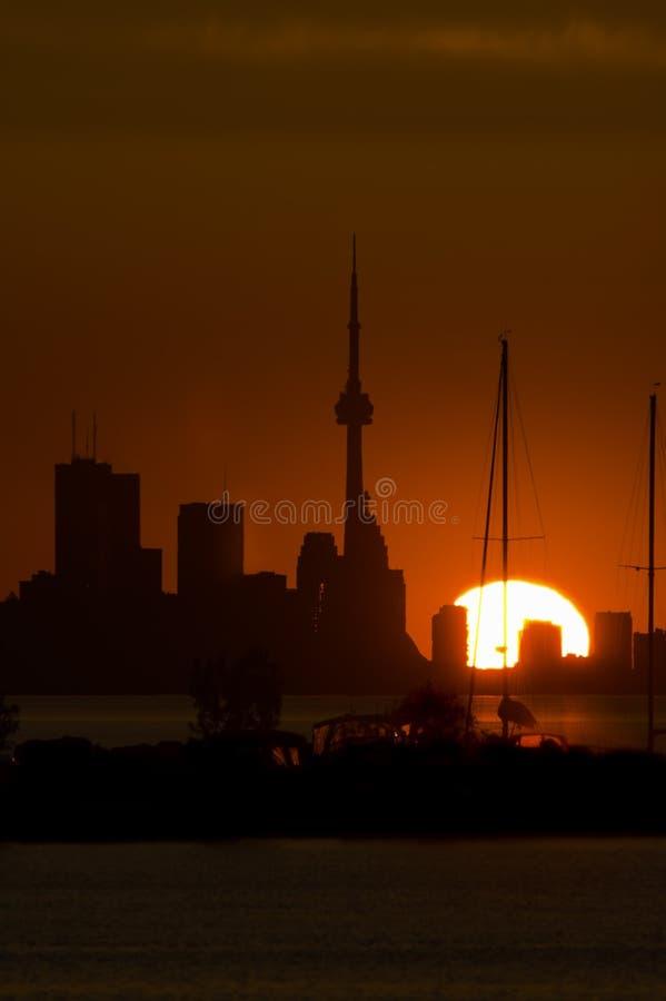 Orizzonte di Toronto all'alba immagine stock libera da diritti