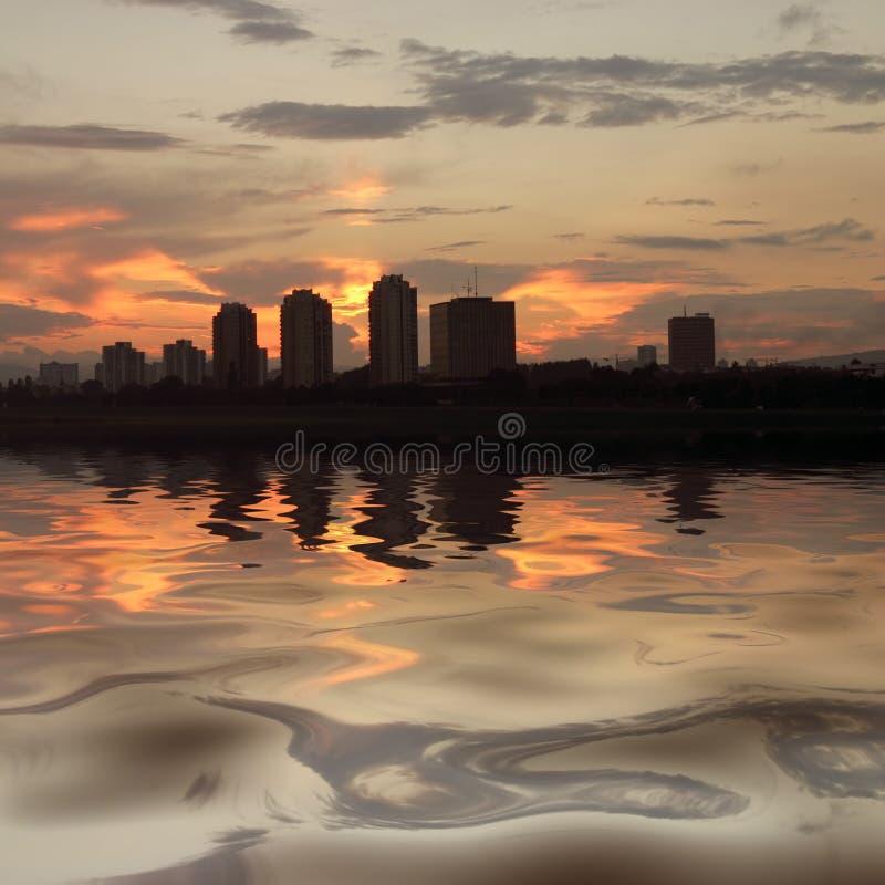Orizzonte di Zagabria sul fiume Sava fotografie stock