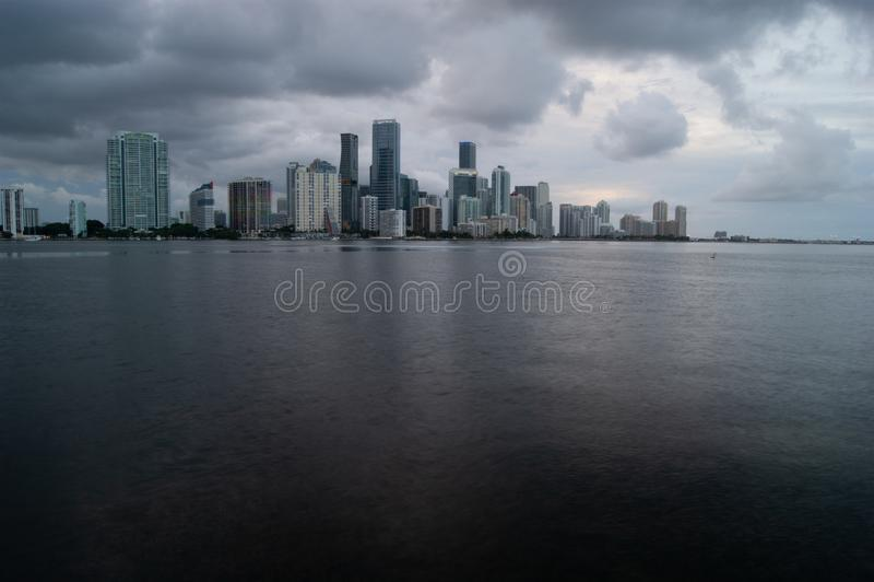 Orizzonte nuvoloso di Miami fotografia stock