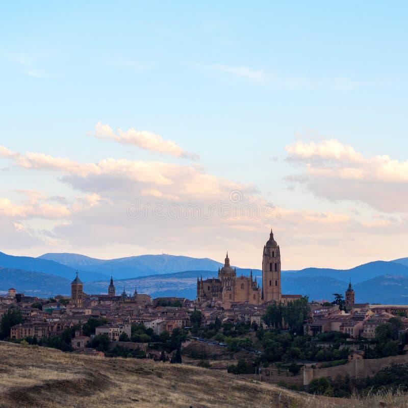Orizzonte stupefacente di Segovia con la cattedrale di Santa Mara de Segovia, Castiglia Leon fotografia stock libera da diritti