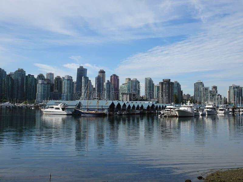 Orizzonte a Vancouver vicino a Stanley Park, Canada immagini stock libere da diritti