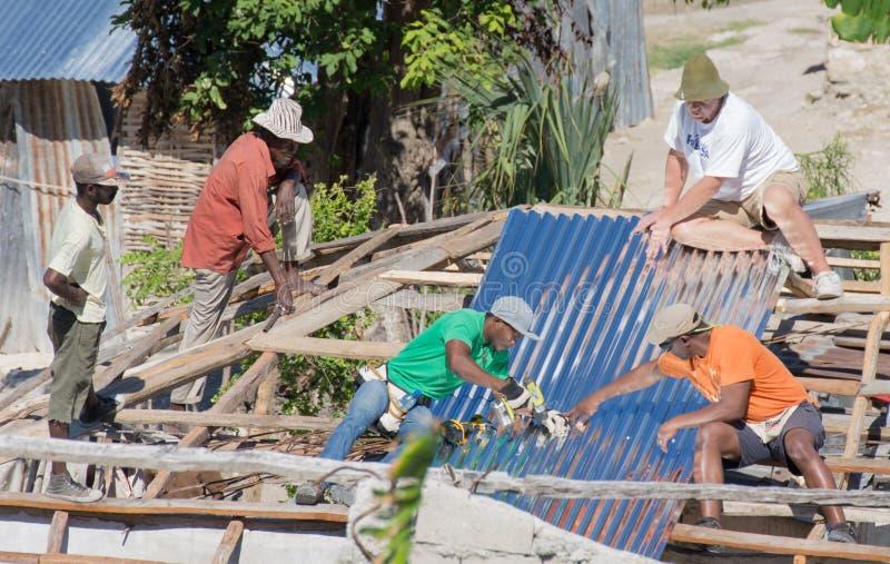 Orkan Matthew Relief Work royaltyfria foton