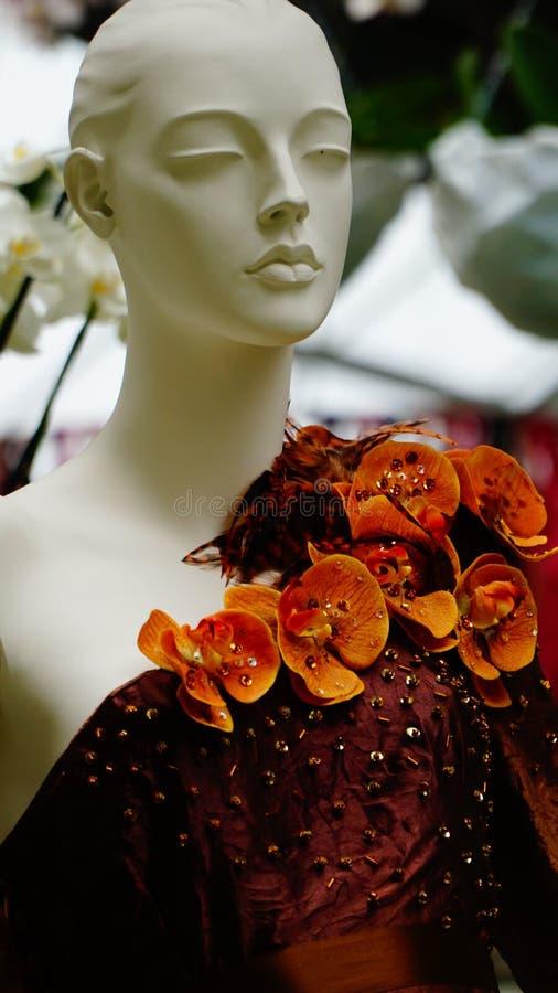 Orkidén blommar haute couture arkivbilder