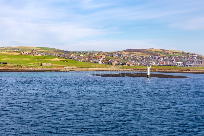 Orkney öar som ses från skeppet royaltyfria foton