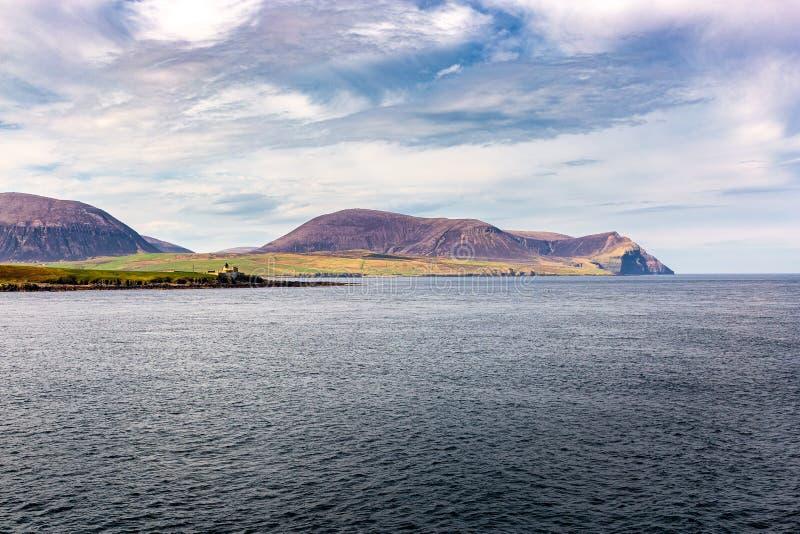 Orkney öar som ses från skeppet royaltyfri fotografi