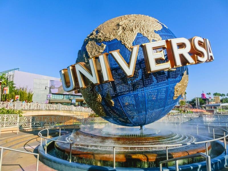 Orlando, de V.S. - 8 Mei, 2018: De grote roterende Universele embleembol op 9 Mei, 2018 stock afbeelding