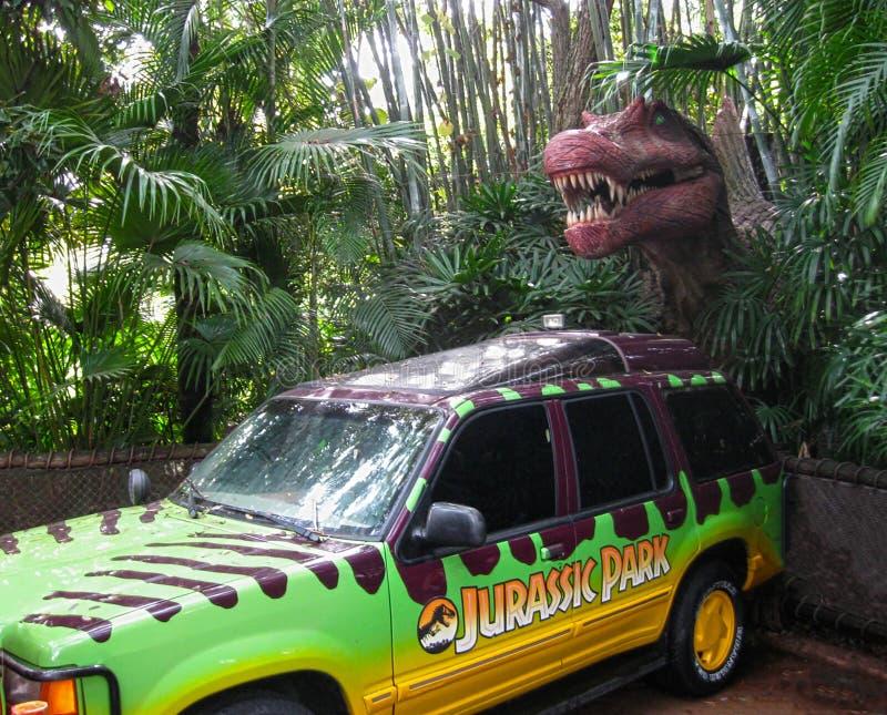 Orlando, Estados Unidos da América - 2 de janeiro de 2014: Fuga do dinossauro no parque temático de Florida dos estúdios universa imagens de stock