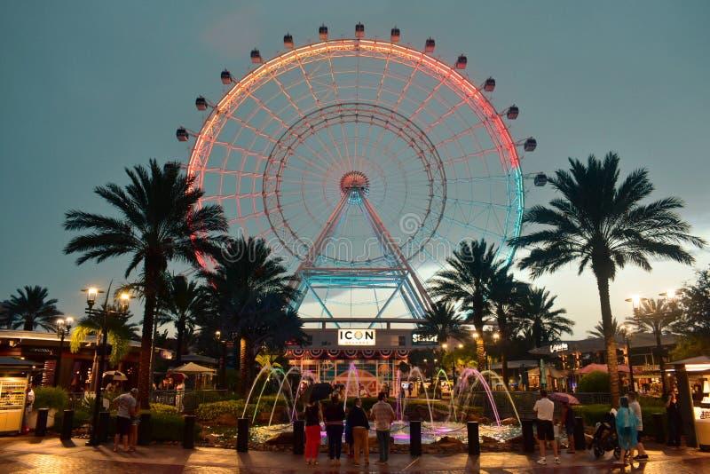 Orlando Eye ist ein Riesenrad 400 der Füße hohes, im Herzen des internationalen Antriebsbereichs lizenzfreie stockfotos