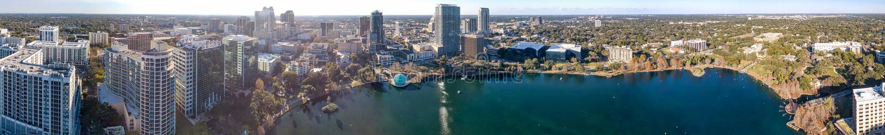 ORLANDO, FL - FEBRUAR 2016: Panoramische Vogelperspektive von Stadt skyli lizenzfreies stockbild