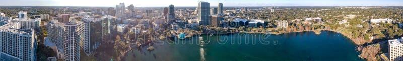 ORLANDO FL - FEBRUARI 2016: Panorama- flyg- sikt av stadsskylien royaltyfri bild