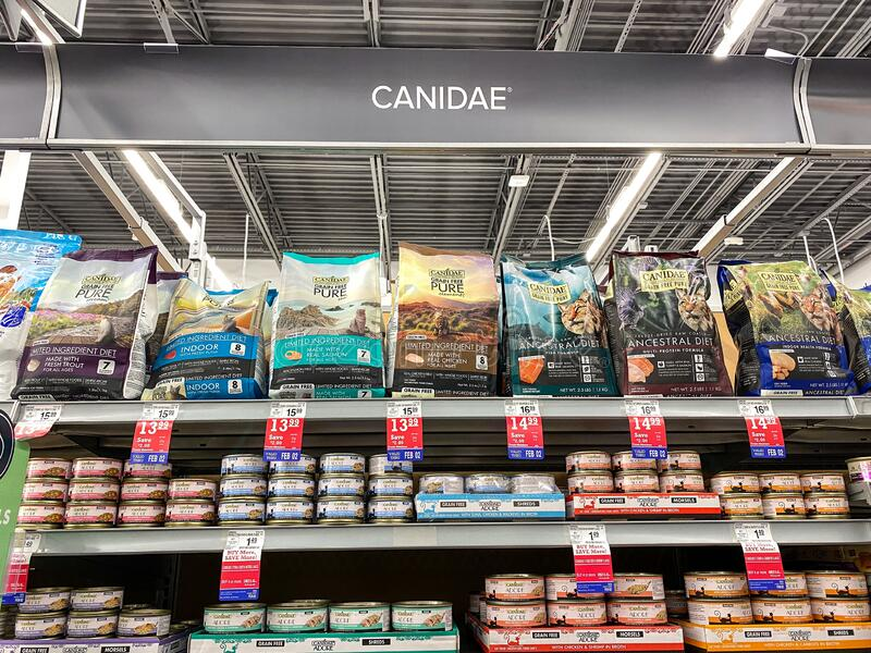 A display of Canidae Ancestral Diet and Limited Ingredient Cat Food at a Petsmart Superstore. Orlando, FL/USA-1/29/20: A display of Canidae Ancestral Diet and stock image