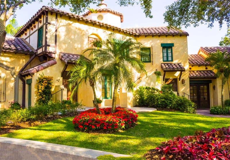 Orlando, Florida, de V.S. - 10 Mei, 2018: De Italiaanse manor bij park Universele Studio's Orlando is een toevlucht van het thema stock afbeelding