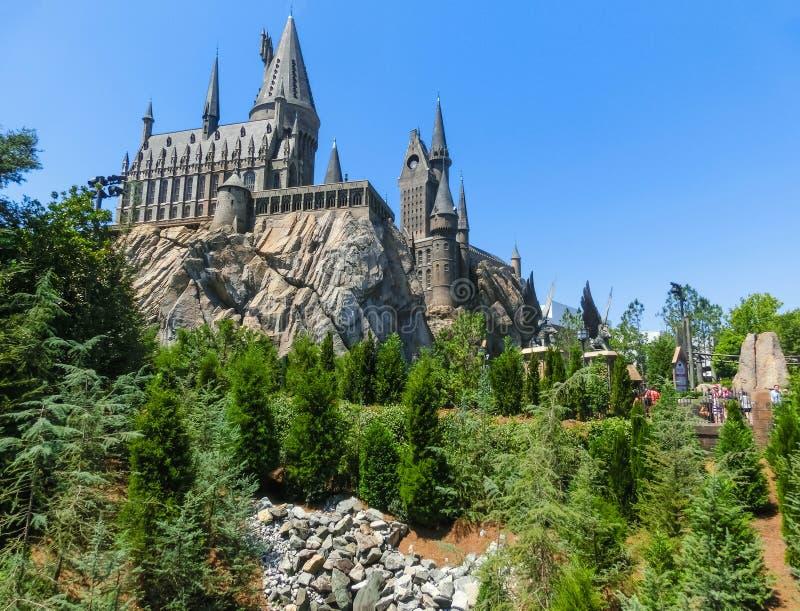 Orlando, Florida, EUA - 9 de maio de 2018: O castelo de Hogwarts no mundo de Wizarding de Harry Potter na ilha da aventura de fotografia de stock royalty free