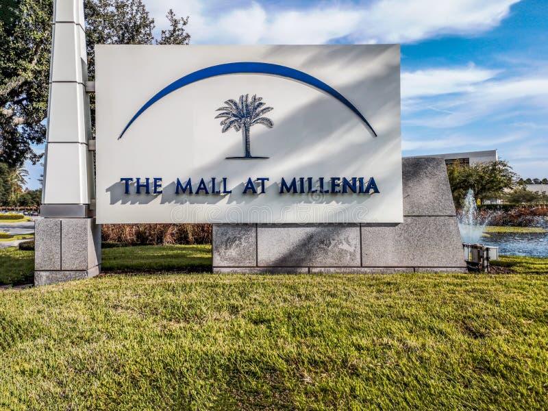 ORLANDO, LA FLORIDE, ETATS-UNIS - D?CEMBRE 2018 : Mail au panneau d'entr?e de mill?naires, Orlando, la Floride, Etats-Unis photos stock