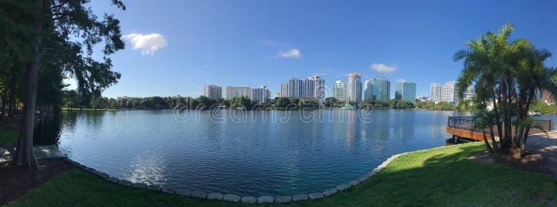 Orlando Lake Eola in de zomer Fotobeeld royalty-vrije stock foto's