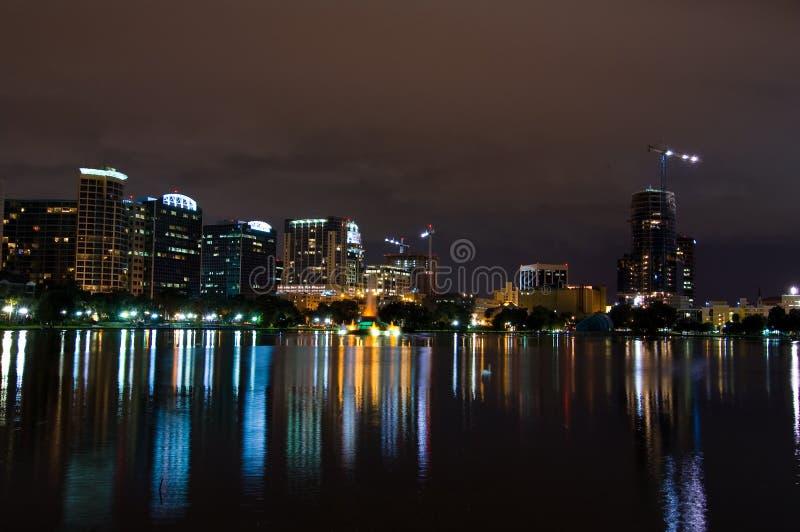Orlando-Skyline nachts stockfotos